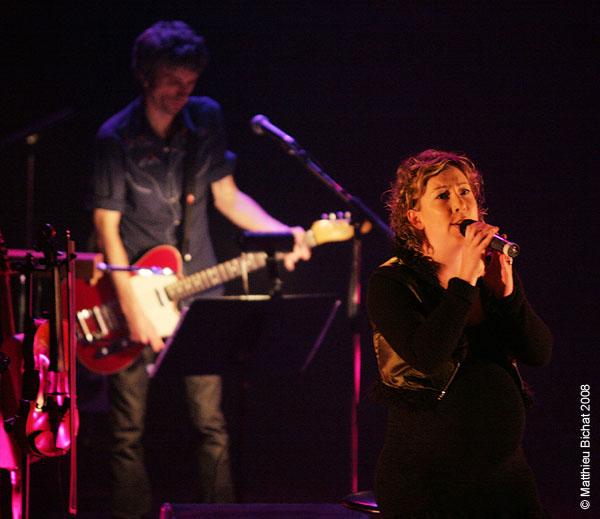 Eric Goulet et Andreanne Alain. Spectacle -Pauline a la Page- en hommage a Pauline Julien, dans le cadre du 22eme Coup de Coeur Francophone, au Theatre Outremont de Montreal, le 8 novembre 2008.