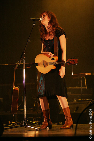 Mara Tremblay. Spectacle -Pauline a la Page- en hommage a Pauline Julien, dans le cadre du 22eme Coup de Coeur Francophone, au Theatre Outremont de Montreal, le 8 novembre 2008.