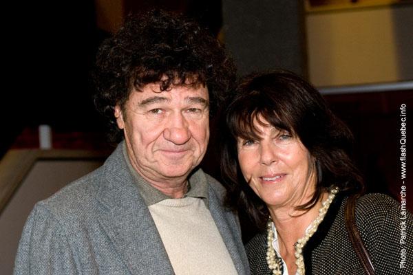 Robert Charlebois et sa conjointe - Premiere du film le grand depart - Place des arts - 9 decembre 2008