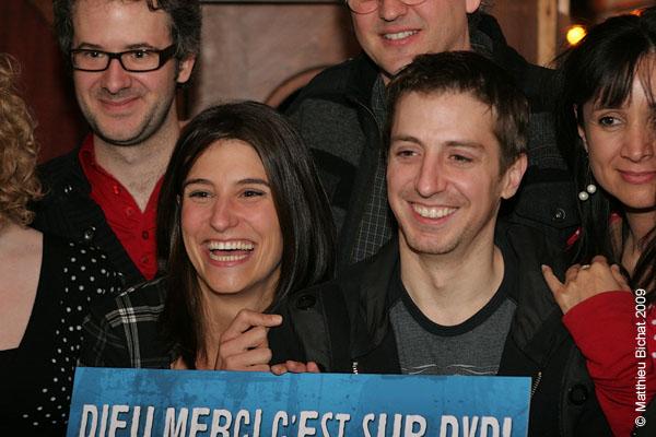 Salome Corbo et Christian Brisson-Dargis (comediens maison). Lancement du DVD de la saison 1 de l emission DIEU MERCI au bar Le Confessionnal de Montreal, le 29 janvier 2009.