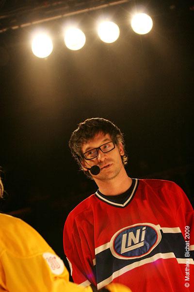 Francois-Etienne Pare. Match 1 de la saison 2009 de la LNI opposant l equipe des Jaunes a l equipe des Rouges, au Petit Medley de Montreal, le 09 fevrier 2009.
