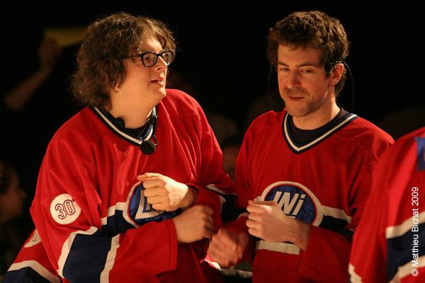 Patrick Drolet et Simon Rousseau. Match 1 de la saison 2009 de la LNI opposant l equipe des Jaunes a l equipe des Rouges, au Petit Medley de Montreal, le 09 fevrier 2009.